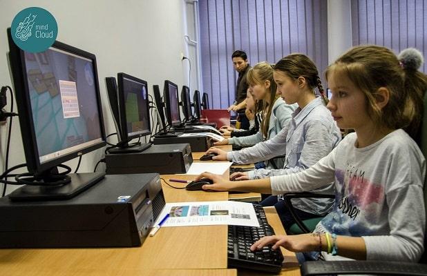 podstawy programowania dzieci przy kompach